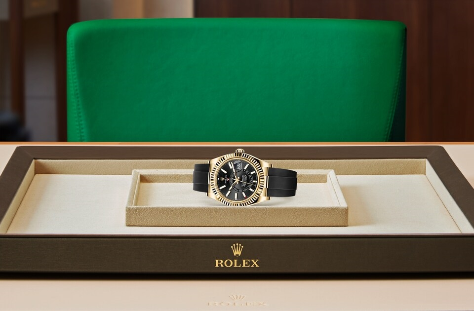 watch_assets_on_tray_m326238-0009
